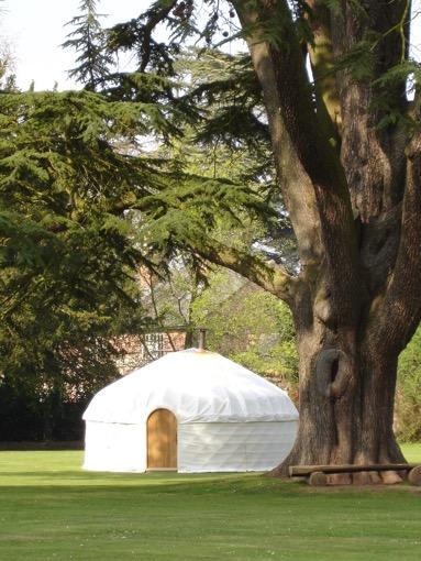 hampton-court-yurt-19-4-07-030